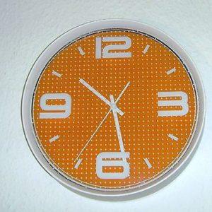 273 Wanduhr ! weiss - orange ! super modern !