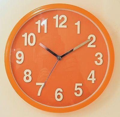 632 Mebus Wanduhr ! Orange mit weißen Zahlen , 30 cm