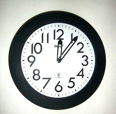 344 Mebus Funk Wanduhr in schwarz - weiß !!! modern ! 29,5 cm