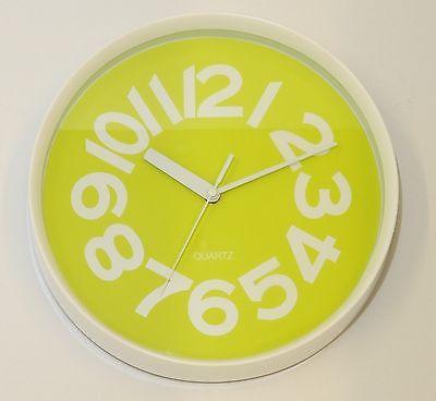 644 Mebus Wanduhr ! weiß - grün ! 29 cm