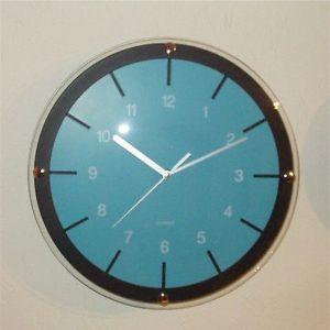 166 Wanduhr ! schwarz - blau ! super modern ! 23,5 cm