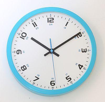 682 Mebus Wanduhr ! Blau ! super modernes design ! 25 cm !
